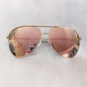 QUAY Vivienne Sunglasses Pink